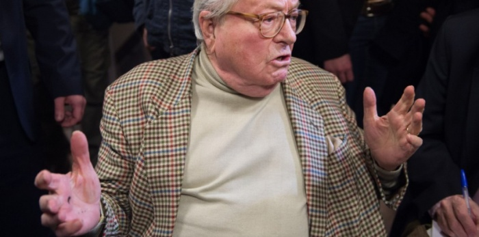 Nanterre. Marine Le Pen departementales  elections.